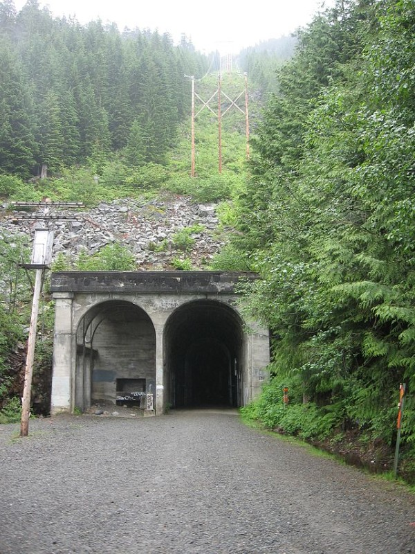 Tunnel_west