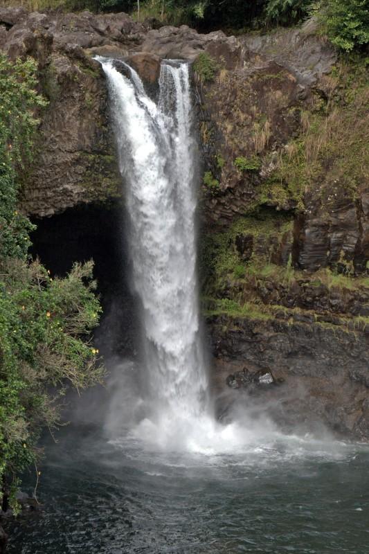 Rainbow_Falls_Hawaii